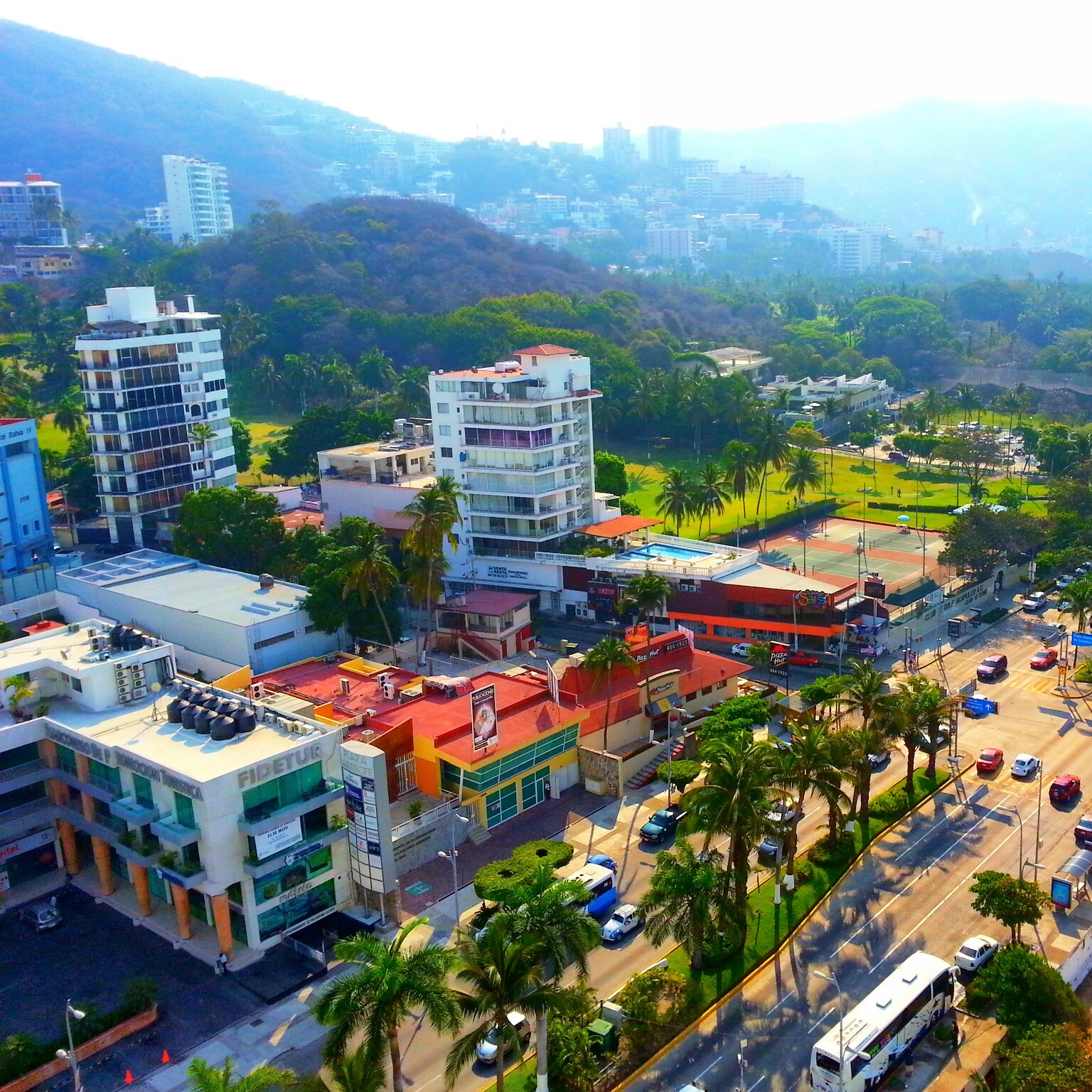 A view of Acapulco, Mexico - Photo by Meiji Valmont