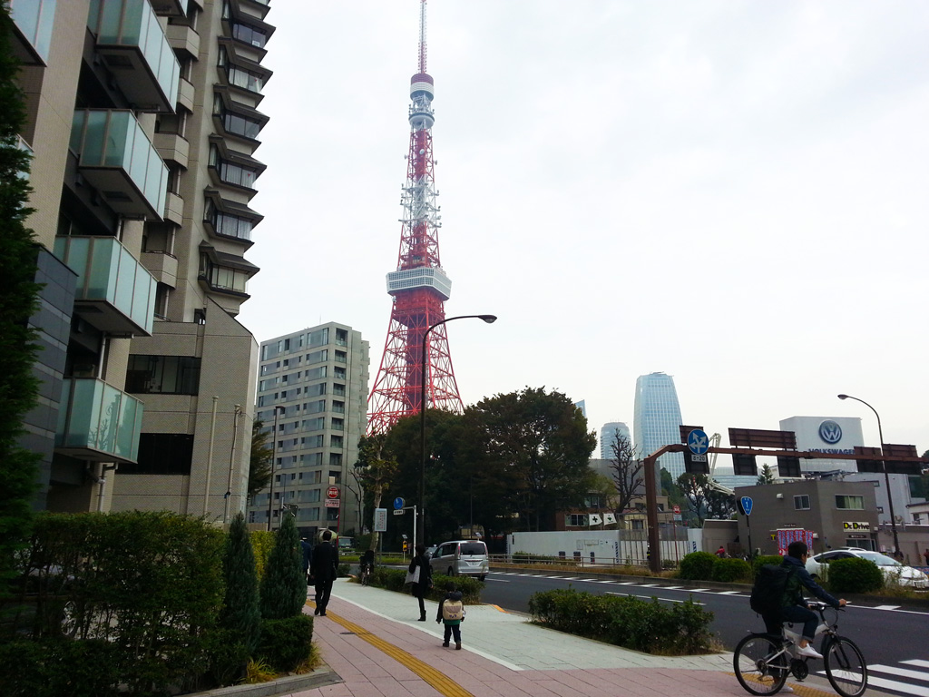 Tokyo Tower from Akabanebashi Station